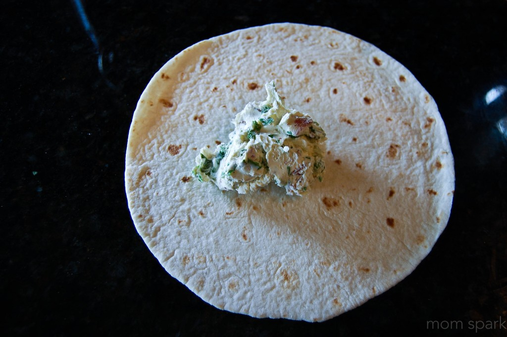 Bacon, Spinach, Chive and Cream Cheese Tortilla Roll-Ups Appetizer Recipe momspark.net