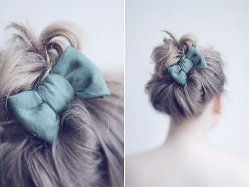 green bow in hair