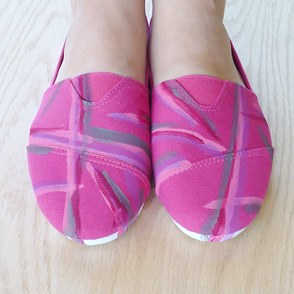 Abstract Painted Canvas Slip Ons DIY Makeover