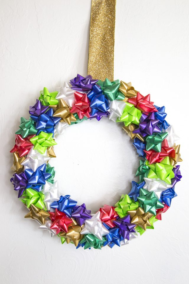 DIY: Holiday Gift Bow Wreath
