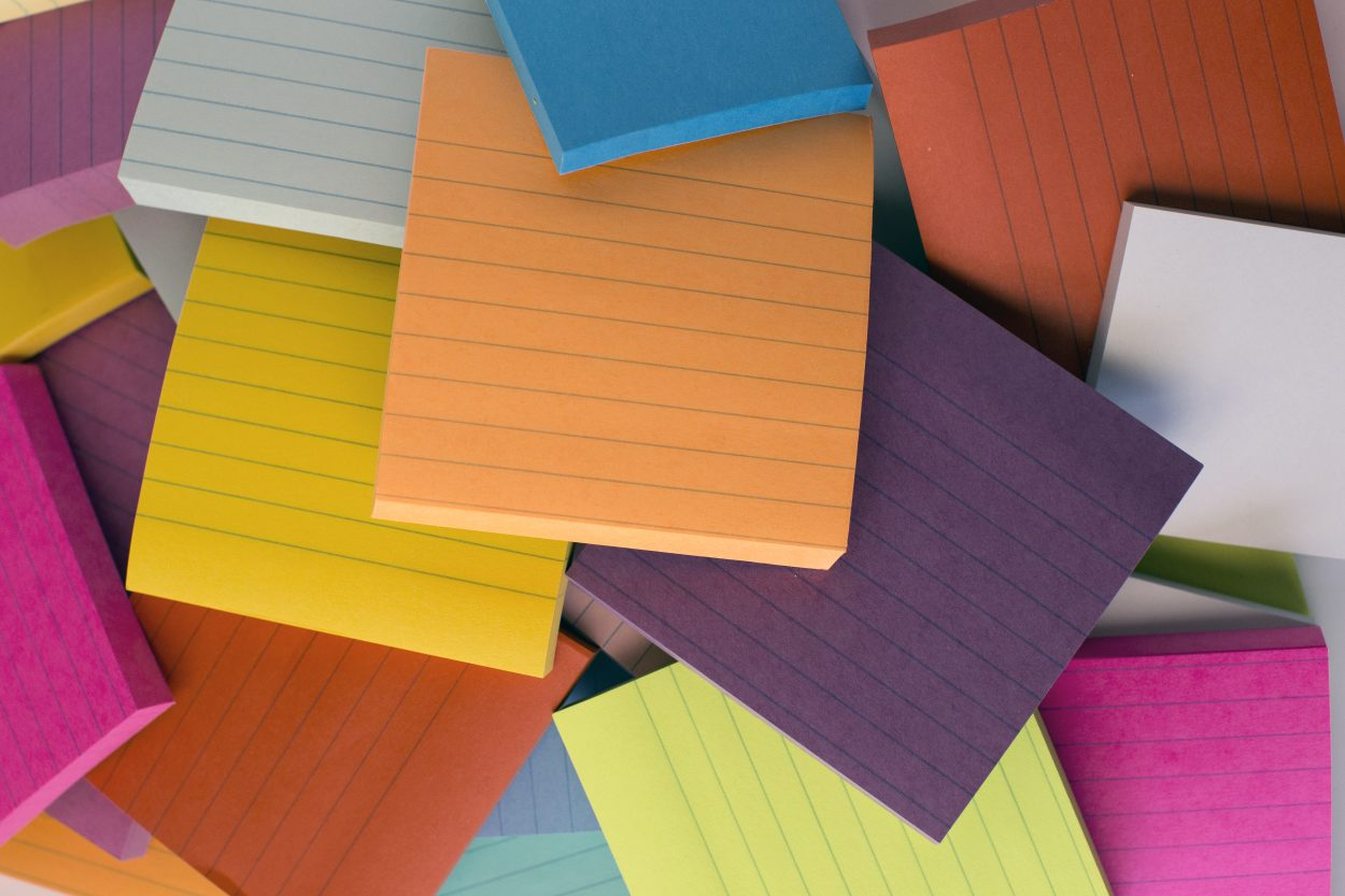 post-it-notes-pile