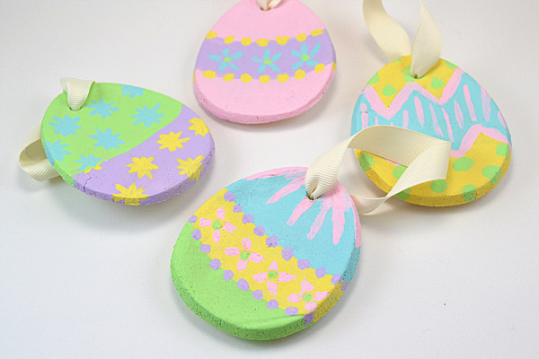 Make simple and sweet ornaments for Easter out of salt dough. How lovely!