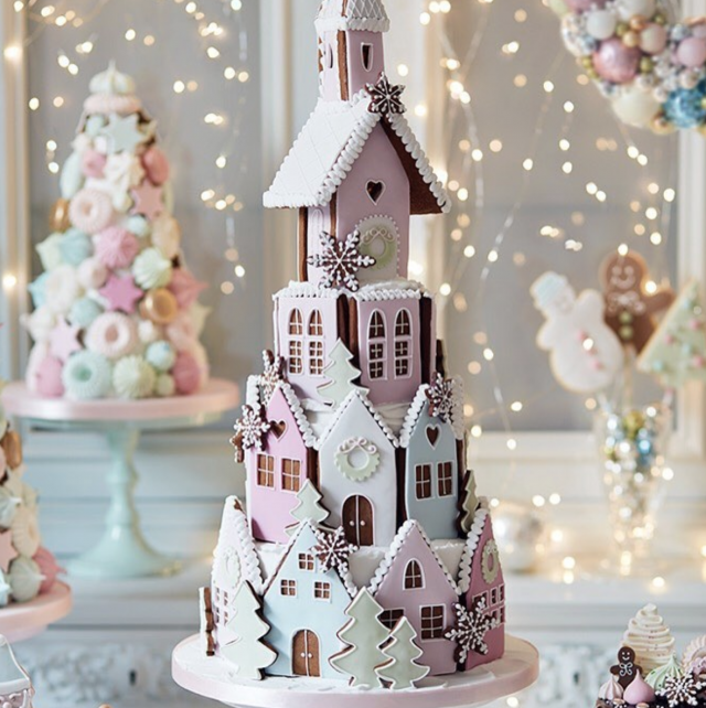 17 Elaborate Gingerbread Houses to Drool Over