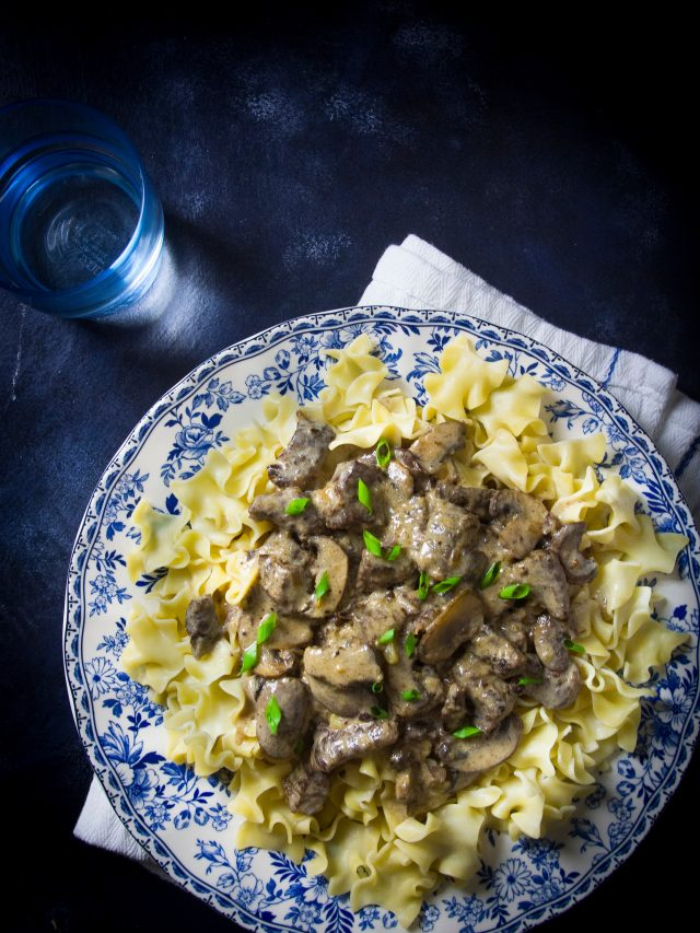 Instant Pot Beef Stroganoff Fall is the best time to bust out your instant pot. There are so many fall-inspired instant pot recipes for cozy, crisp autumn days.
