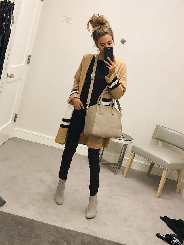 50+ Fall and Winter Outfits for 2017 - oversized sweaters, boots, scarves, large bags, gloves and more!