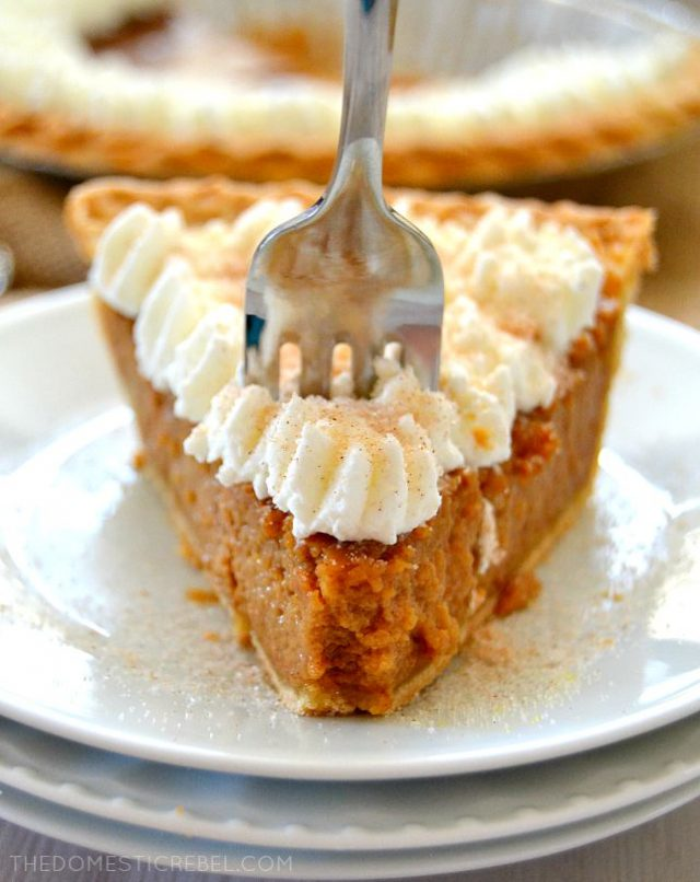 It's officially apple-picking season. Here are 20 awesome apple recipes to make this fall with all of your apples! - Apple Butter Pie
